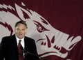 Houston Nutt resigns